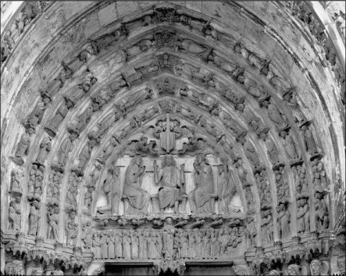 Catedral de Chartres - transepto sur, portal central, tímpano