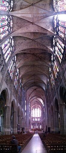 Nave central de Saint-Denis